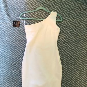 LULUS SOIREE WHITE ONE-SHOULDER DRESS Size small